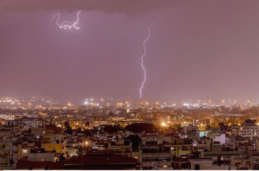 """Πολιτική Προστασία: Συστάσεις προς τους πολίτες για την νέα επιδείνωση του καιρού – Πού θα χτυπήσει η """"Αθηνά"""""""