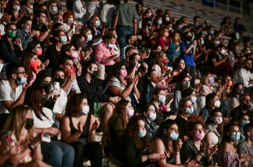 Κοροναϊος: Στο τραπέζι η απαγόρευση των συναυλιών – Γιατί οδεύουν σε lockdown σε Σέρρες