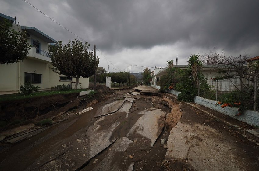 Πέτσας: Οι ζημιές είναι χαμηλά στη θάλασσα όχι στα καμένα-Ηλιόπουλος:Χαμηλά είναι το επίπεδο των κυβερνητικών επιχειρημάτων