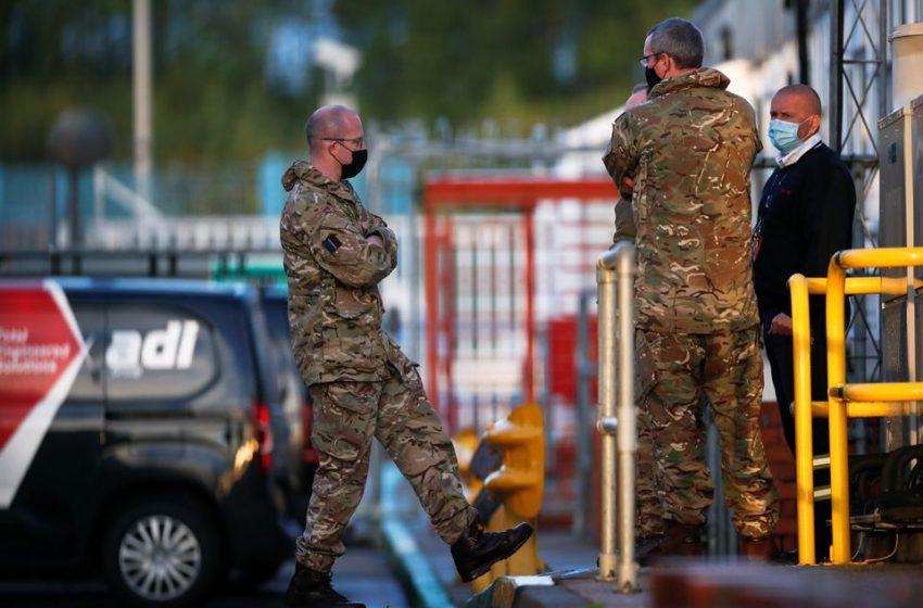 """Η Βρετανία έριξε τον στρατό στη """"μάχη"""" εφοδιασμού των πρατηρίων καυσίμων"""