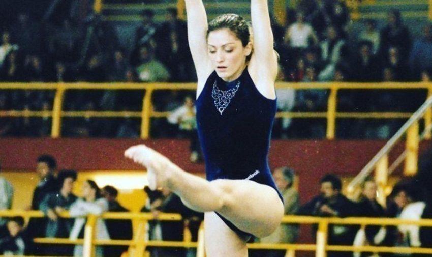 Δήμητρα Καστρίτση – Η πρώην αθλήτρια της ενόργανης καταγγέλλει: Με έσερναν στο γυμναστήριο από τα μαλλιά, μάτωναν τ' αυτιά μου