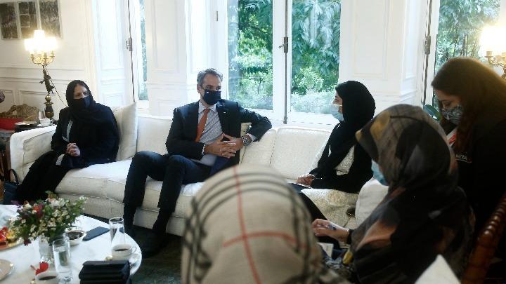 Συνάντηση Μητσοτάκη με Αφγανές βουλευτές και δικαστικούς: Θα κάνουμε ό,τι περνάει από το χέρι μας να στηρίξουμε τον λαό του Αφγανιστάν