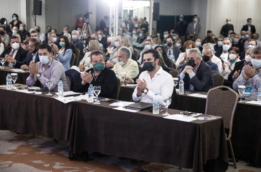 Ραγδαίες εξελίξεις στο ΚΙΝΑΛ: Κινητικότητα από Κεγκέρογλου για νέο υποψήφιο – Έντονη ενόχληση Γεννηματά