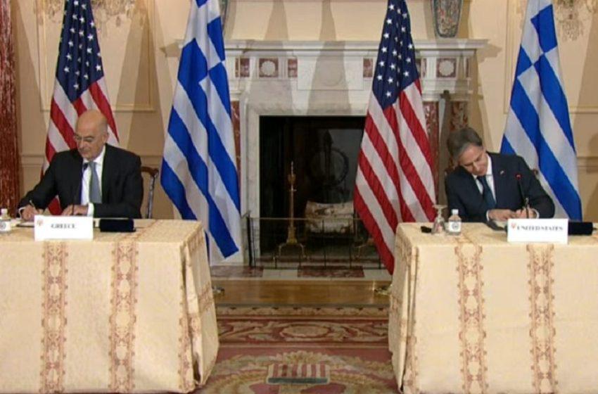 Yπεγράφη η αμυντική συμφωνία Ελλάδας με ΗΠΑ – Δένδιας: Η Ελλάδα αντιμετωπίζει απειλή πολέμου