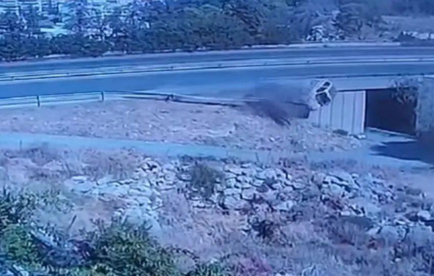Κρήτη: Συγκλονιστικό βίντεο από τροχαίο κατέγραψε κάμερα (vid)