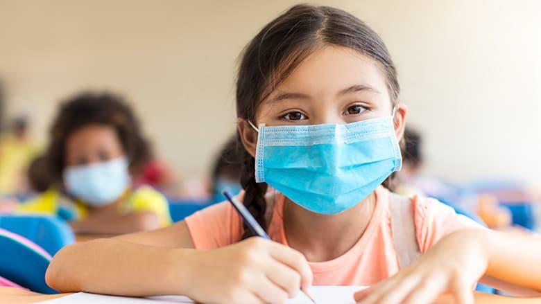 Νέα έρευνα απαντά στο αν χτυπάει περισσότερο τα παιδιά η μετάλλαξη Δέλτα