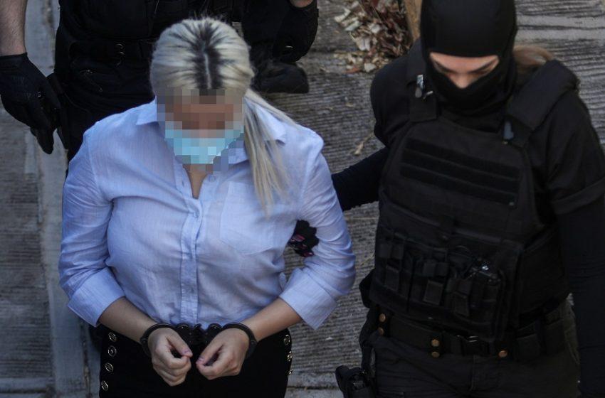 """Νέα στοιχεία στην επίθεση με βιτριόλι – Συγκλονιστικές αποκαλύψεις από πρόσωπα """"κλειδιά"""" φίλους της κατηγορούμενης"""