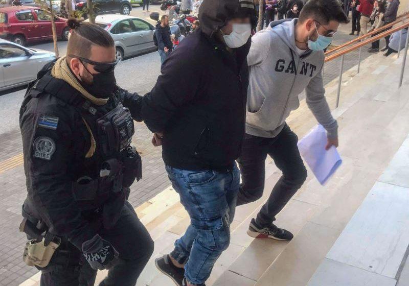 Τρία ακόμη άτομα ταυτοποιήθηκαν για την επίθεση στην Ηλιούπολη