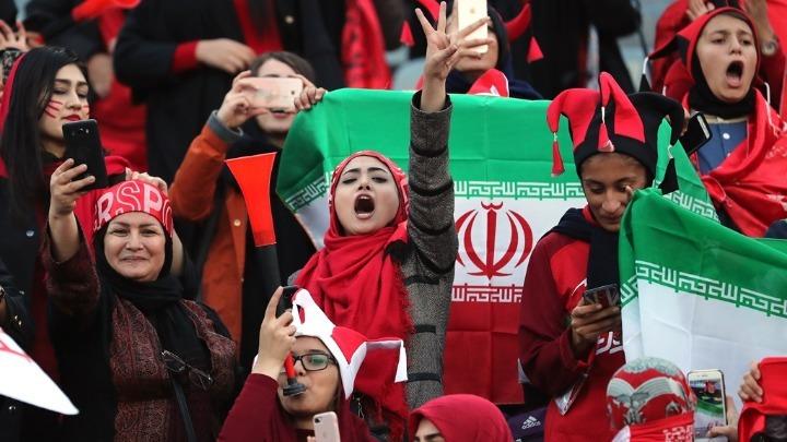Ιράν: Οι γυναίκες επιστρέφουν στο γήπεδο