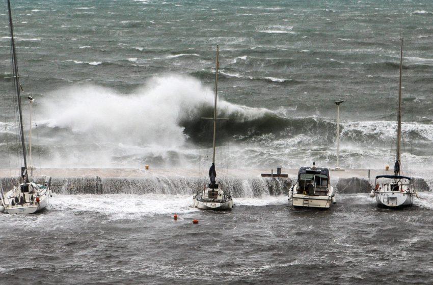 Κακοκαιρία: Σε κατάσταση έκτακτης ανάγκης η Κέρκυρα – Ποιες περιοχές πλημμύρισαν