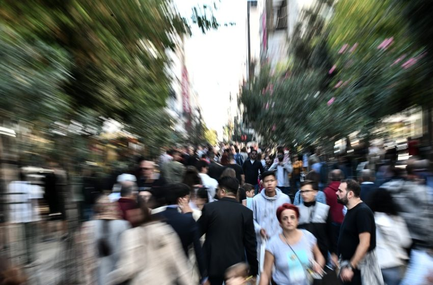 Ασφυξία από ακρίβεια και ενεργειακή κρίση – Δυσκολεύουν τα περιθώρια για νέο δημοσιονομικό χώρο – Κρίσιμη συνάντηση με Θεσμούς