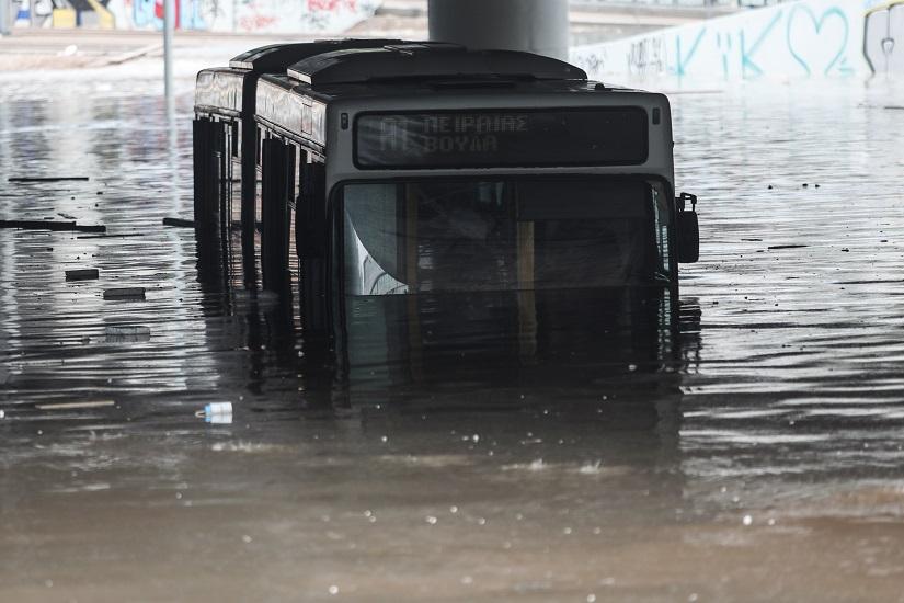 Σγουρός: Γιατί πλημμύρισε η παραλιακή – Η ευθύνη της Περιφέρειας