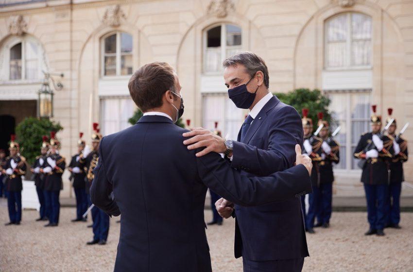 """Γαλλικό ΥΠΕΞ: Η συμφωνία με την Ελλάδα αφορά την """"επικράτεια"""" των δύο χωρών"""