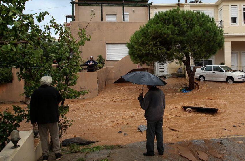 """Κακοκαιρία """"Μπάλλος"""": Θα χτυπήσει σε δύο κύματα με ακραίο κίνδυνο πλημμυρών – Η πρόγνωση από Αρναούτογλου, Μαρουσάκη (vid)"""