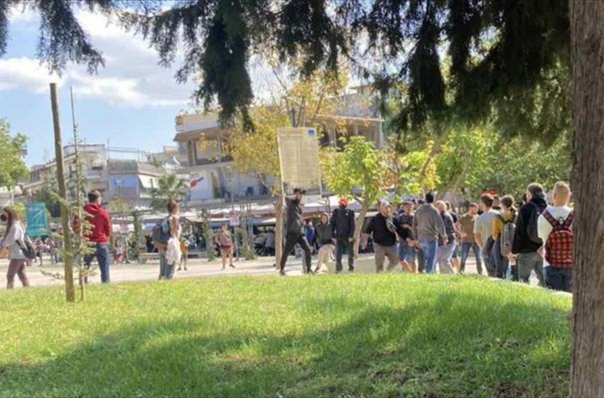 Πληθαίνουν οι επιθέσεις ακροδεξιών – Αντιδράσεις από την αντιπολίτευση – Κοινή δήλωση Καμπαγιάννη, Παπαδάκη