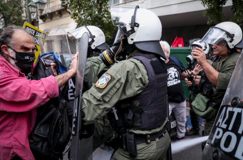 Ενταση στην αντιφασιστική πορεία στην Αθήνα