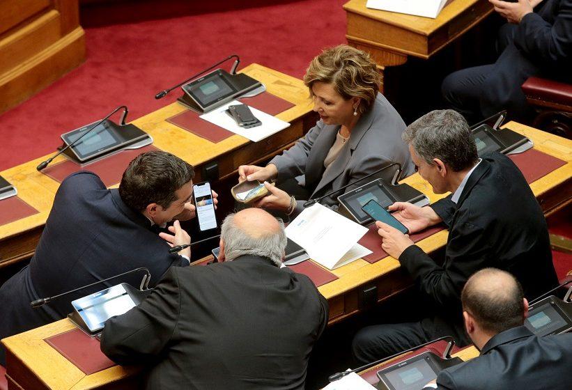 """Ο Τσίπρας πάτησε το """"κουμπί"""" του Συνεδρίου – Τι έγινε στην περιβόητη σύναξη των δύο τάσεων και πού κατέληξε"""