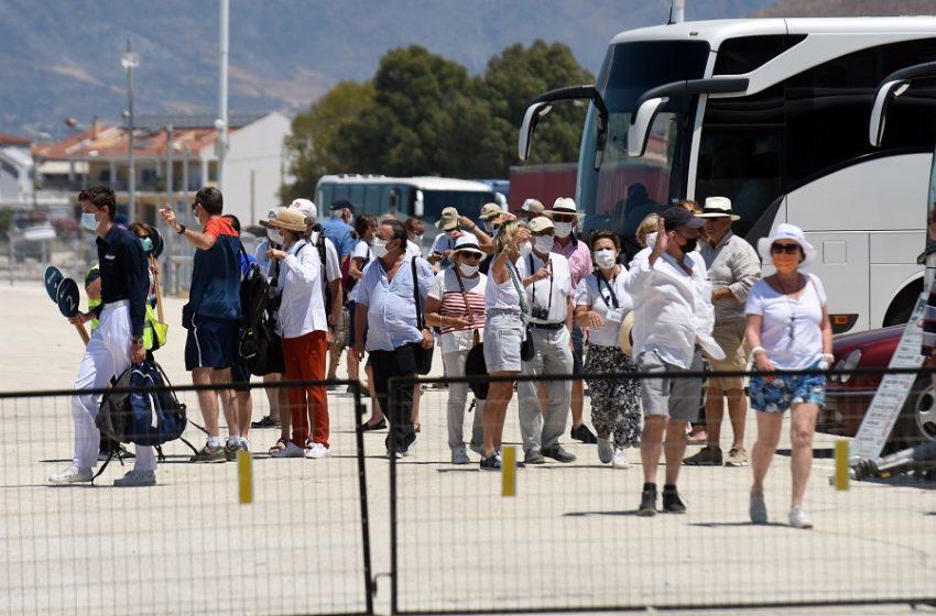 Κοροναϊός: Αύξηση σοκ 140% σε ελληνικό νησί