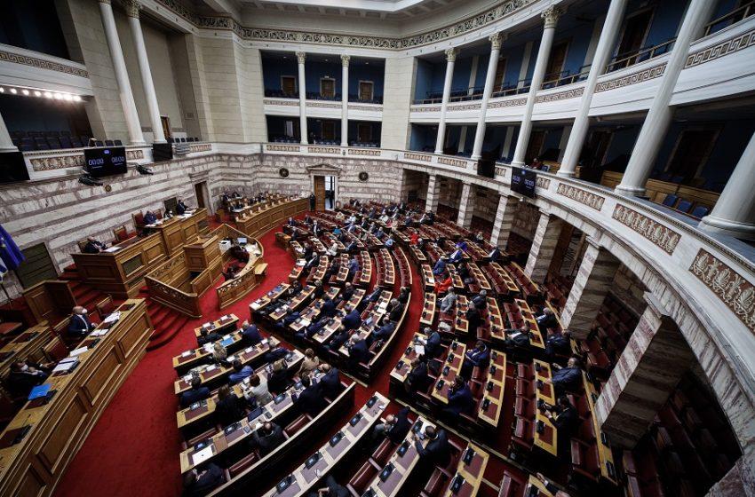 ΒΟΥΛΗ LIVE: Η συζήτηση στην ολομέλεια για την ελληνογαλλική συμφωνία